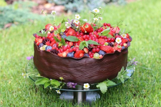 Torty zdobené ovocím