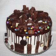 Torta Drip torta s čokoládkami