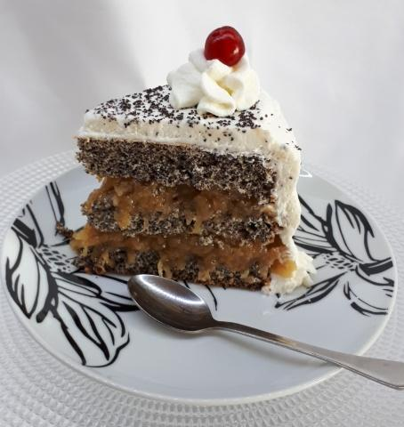 Maková torta s pohánkou a jablkovým pudingom - recept