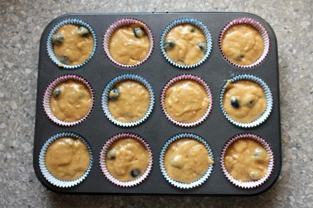 Banánovo - čučoriedkové muffiny - recept postup 3