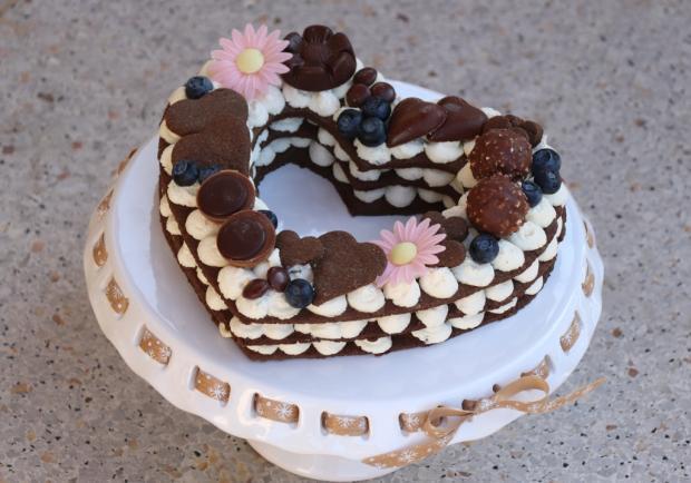 Čokoládová torta v tvare srdca - recept postup 11
