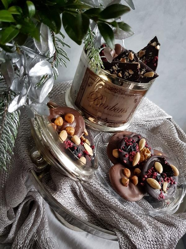 Čokoládové kolieska s orieškami a sušeným ovocím - recept