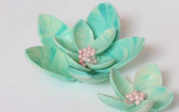 Čokoládové kvety vyrobené pomocou plastových lyžičiek - foto postup