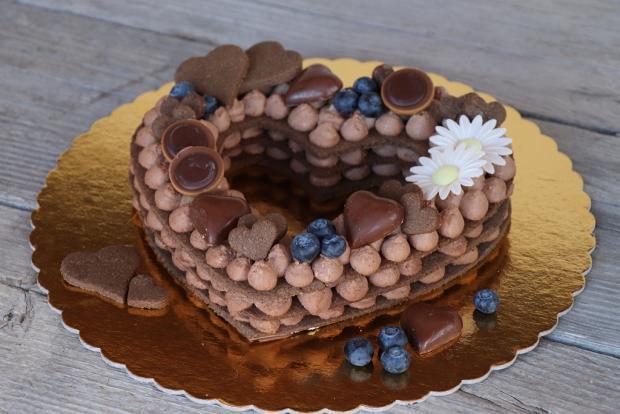 Čokoládová torta v tvare srdca