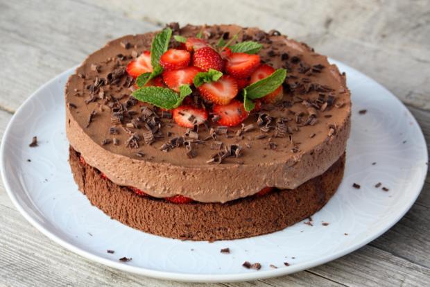 Čokoládovo jahodová torta bez múky - recept postup 10