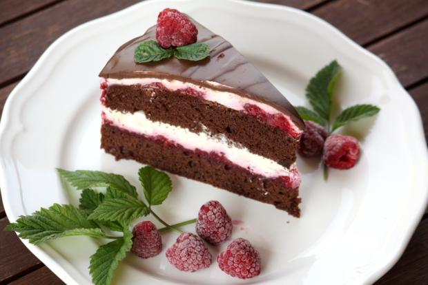Čokoládová smotanovo - malinová torta - recept postup 1