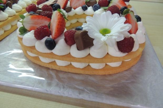 Torta v tvare čísla s fotopostupom - recept postup 11