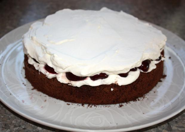 Extra čokoládová torta s čerešňami - recept postup 5
