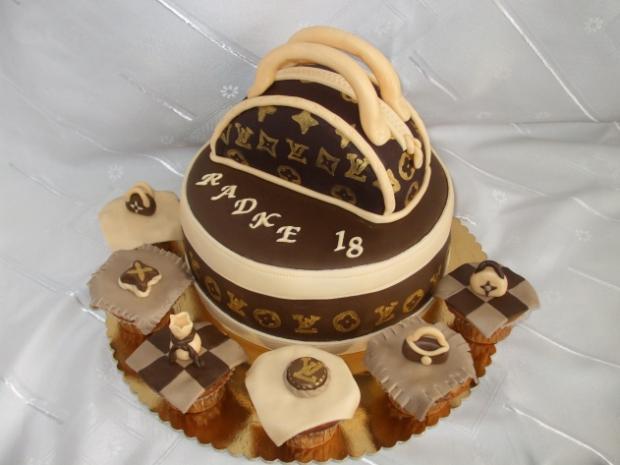 6d38d97ed0 s kabelkou LW torta