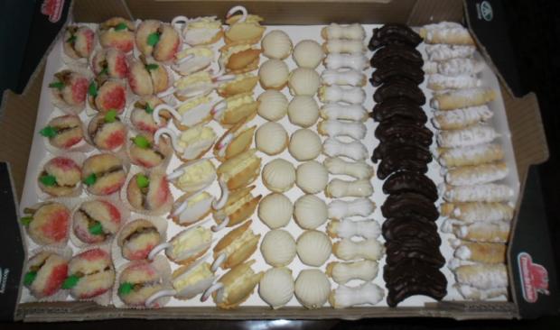 d4a4dcc1ac Svadobné koláče 2 - drobné pečivo torta