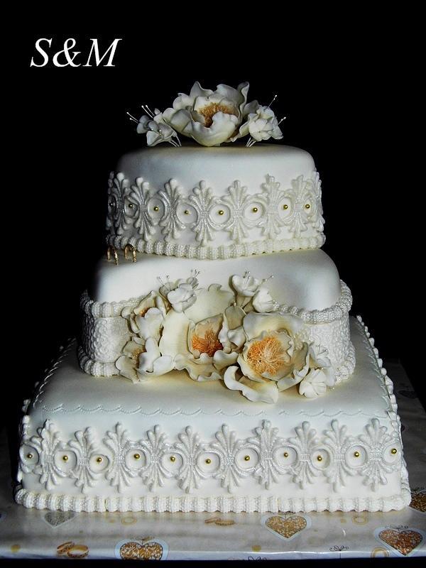 svadobná do zlata torta, Svadobné torty, silvia11