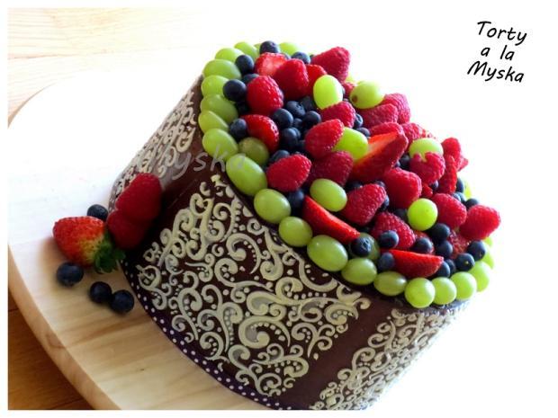 ovocna  torta, čokoládové torty