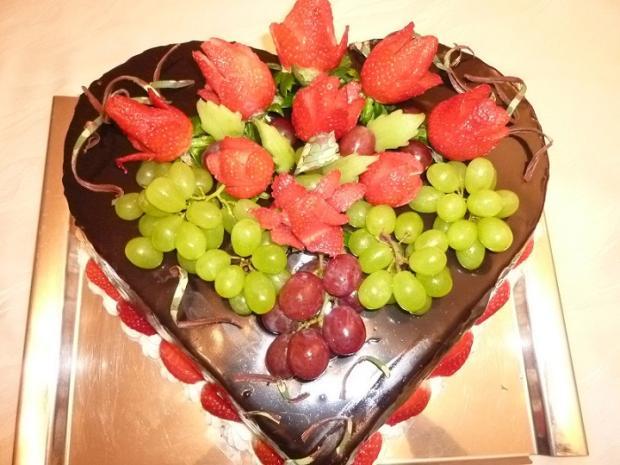 ovocná s jahodovými ružami torta, Narodeninové torty, Boyle