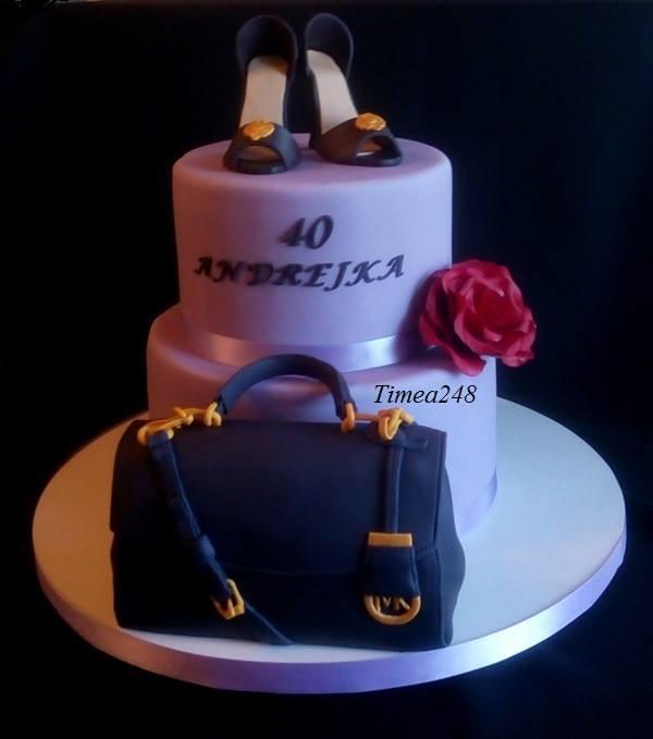 a596e8f106 S kabelkou a lodičkami torta