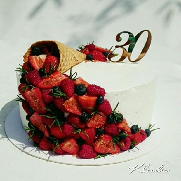Torta  s kornutkom a ovocím, Autor: TORTY Klaudia