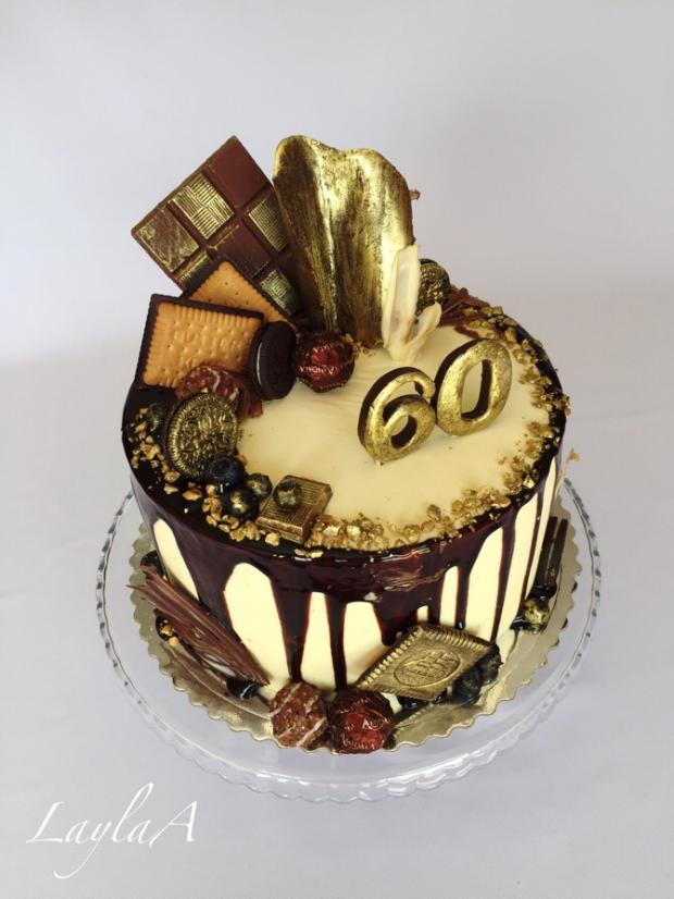 Drip tortička s čokoládovými sladkosťami v zlatom  torta, Drip torty, Andrea Layla Aldiry 2