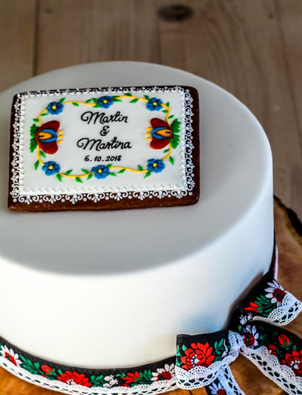 Svadobná darovacia vo folklórom šate torta, Svadobné torty, Cakes by Miša 2