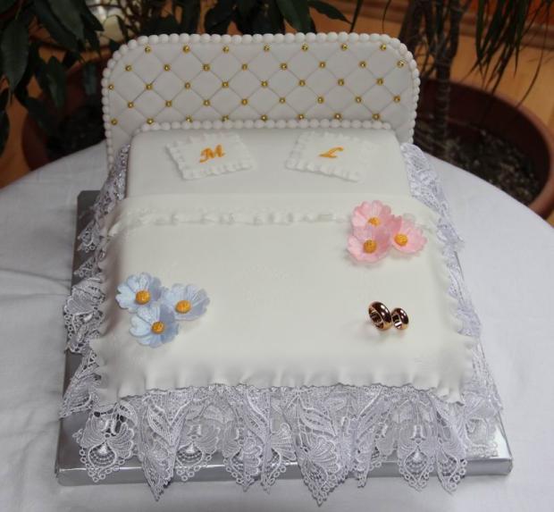 Svadobná posteľ torta, Svadobné torty, miskakiska