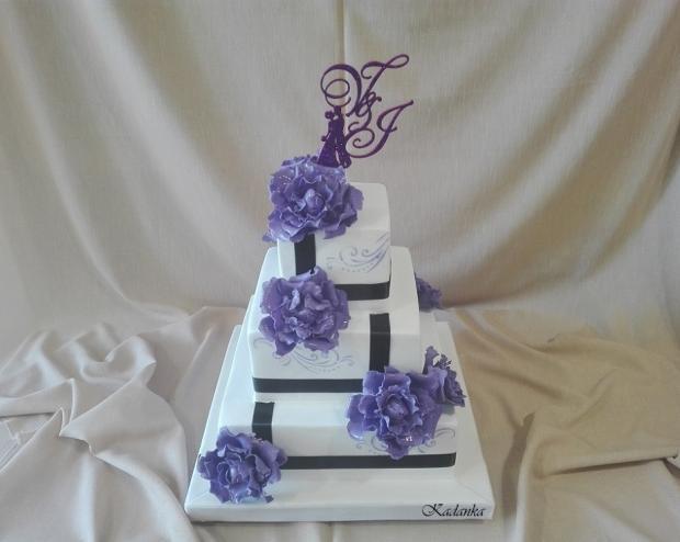 Svadobná v bielo fialovom... torta, Svadobné torty, Kadanka