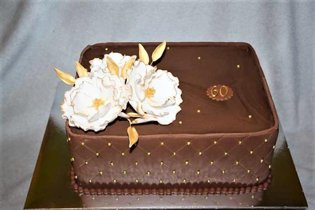 Čokoládová s kvetmi torta, Čokoládové torty, stanula