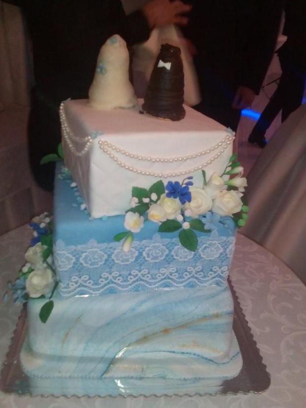 Svadobná v modrom torta, Svadobné torty, Sigetka