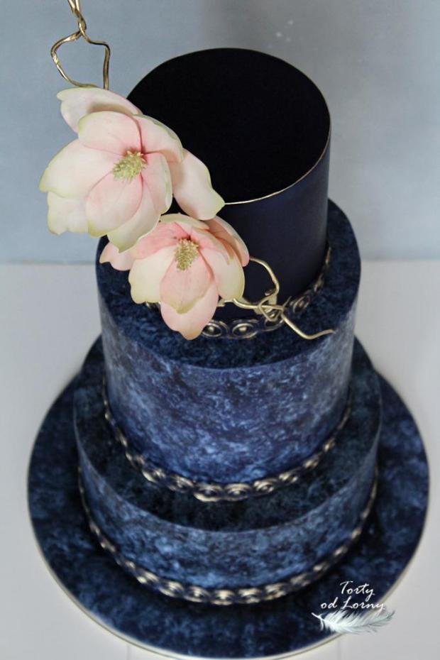 Svadobná torta v indigovo modrej farbe, Foam technika torta, Svadobné torty, Lorna 3