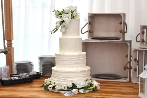 Svadobná krémová torta torta, Narodeninové torty, Lorna