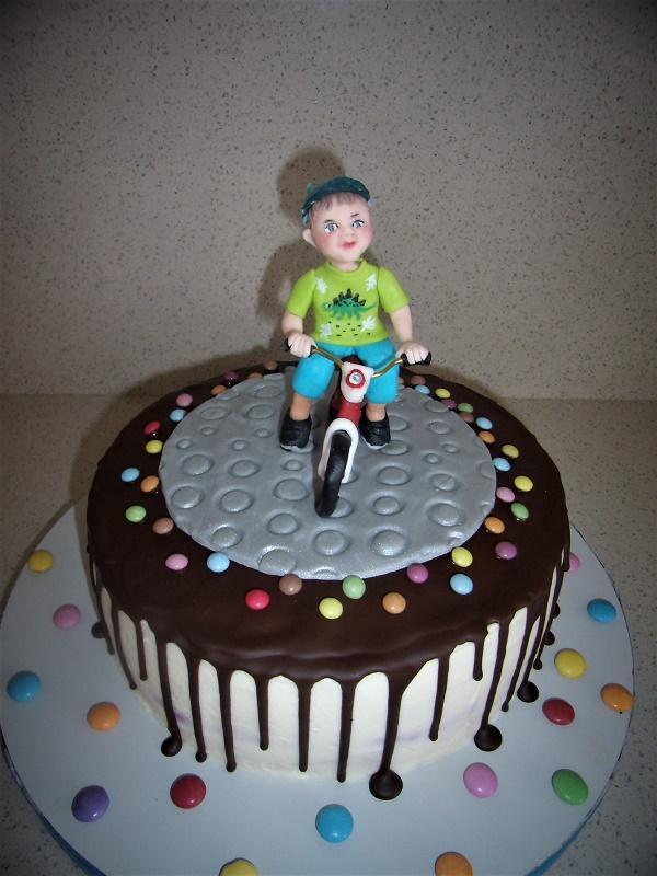malý Filipko na odrážadle torta, Ostané torty pre deti, mariaJ
