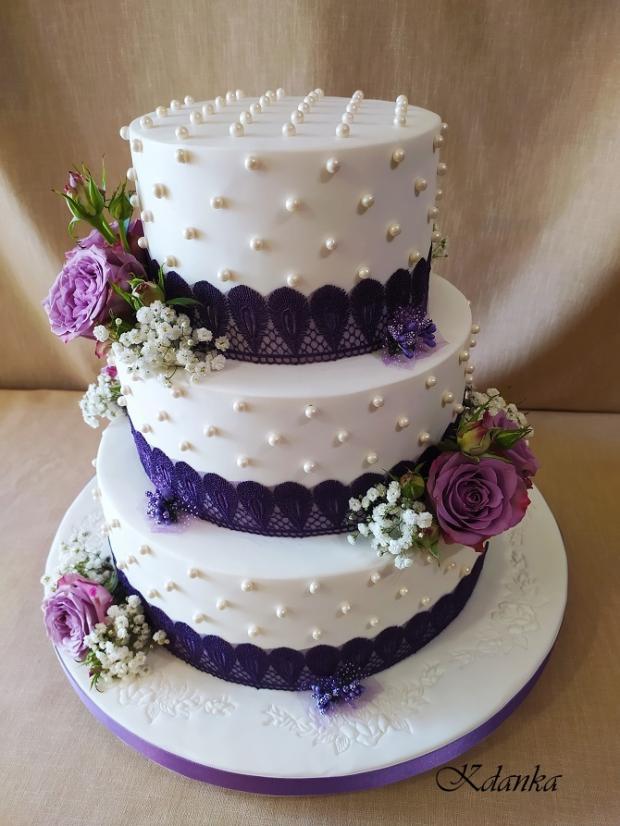 Svadobná v bielo fialovom šate... torta, Svadobné torty, Kadanka