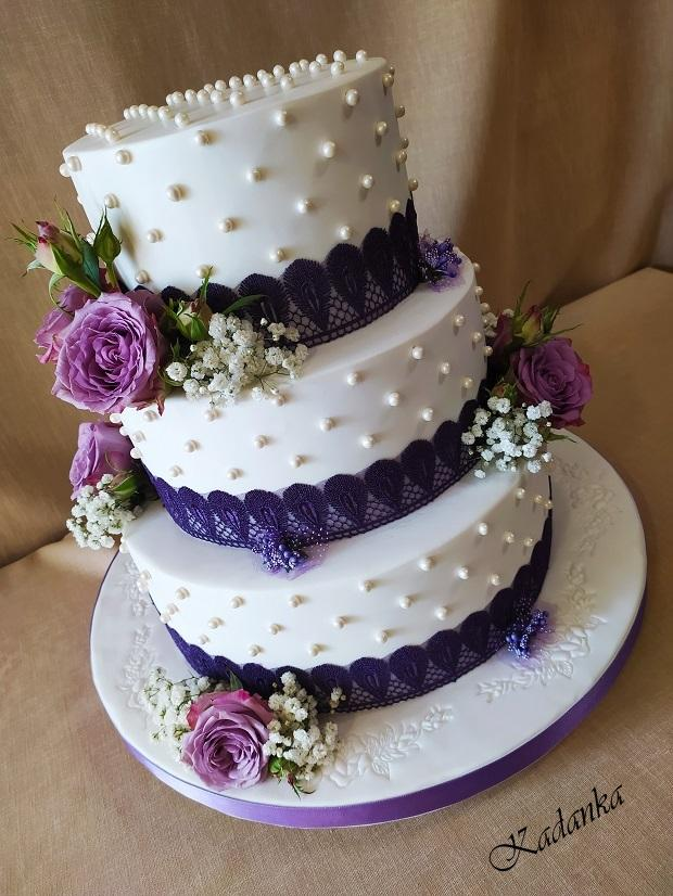 Svadobná v bielo fialovom šate... torta, Svadobné torty, Kadanka 2