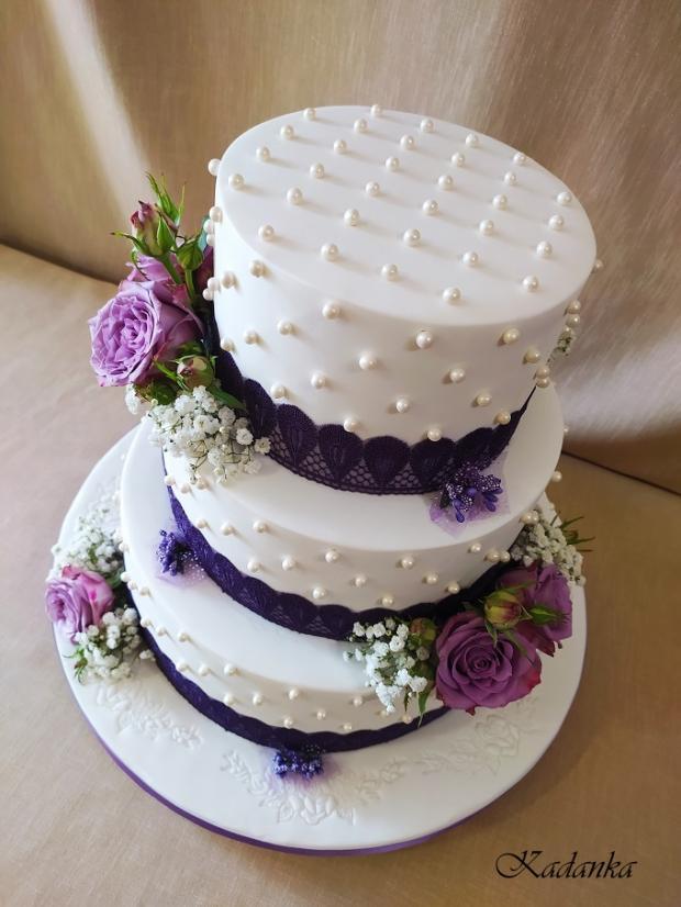 Svadobná v bielo fialovom šate... torta, Svadobné torty, Kadanka 5