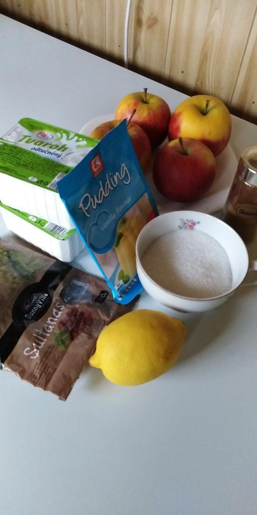 Linecký tvarohovo- jablkový koláčik.  - recept postup 4