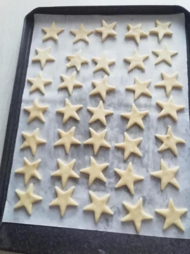 Jemné koláčiky zo šľačkoveho cesta.  - recept postup 5