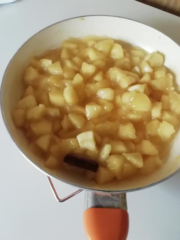 Jablkovo- karamelový koláč.  - recept postup 5