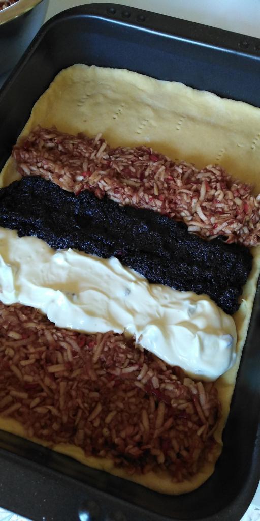 Mriežkový tvarohovo - jablkovo - makový koláč.  - recept postup 7