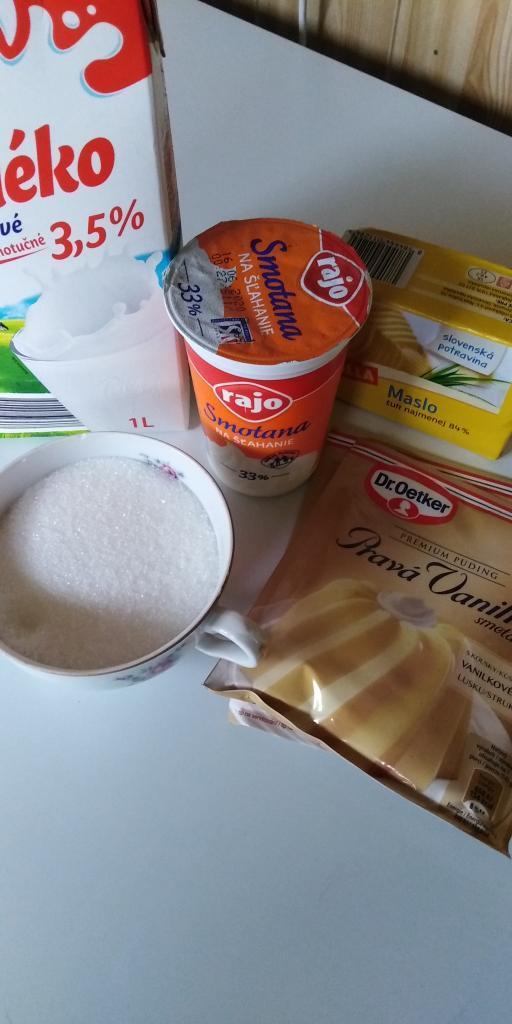 Medové rezy s piškótami.  - recept postup 4