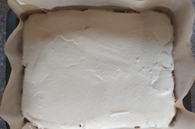 Hrnčekový jablkový koláč bez miesenia - recept postup 4