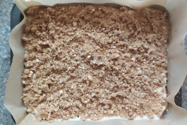Hrnčekový jablkový koláč bez miesenia - recept postup 5