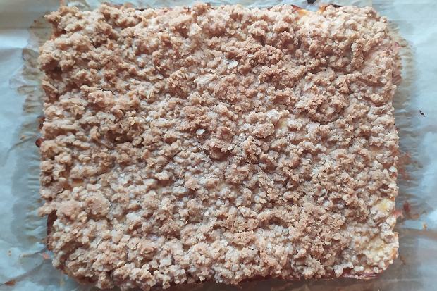 Hrnčekový jablkový koláč bez miesenia - recept postup 6