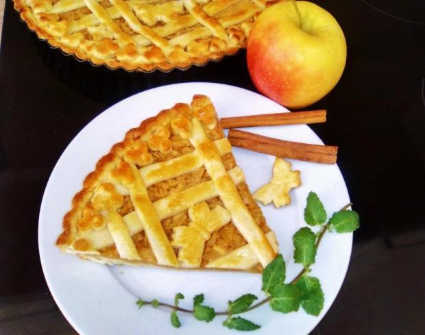 Jablkový koláč zo zemiakového cesta - recept