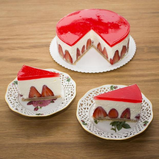 Jahodová torta so šľahačkou, Autor: Vikulda