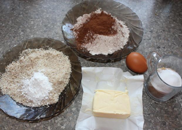 Kakaovo tvarohový koláč s višňami - recept postup 1