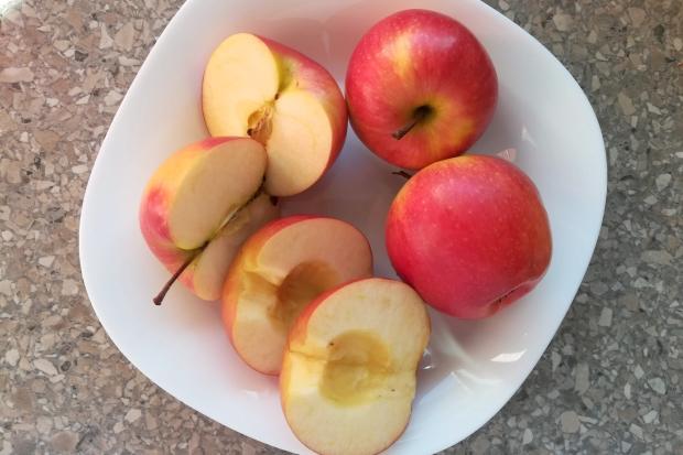 Jemný jablkový koláč - recept postup 1
