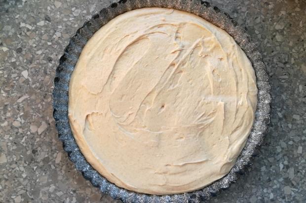 Jemný jablkový koláč - recept postup 3