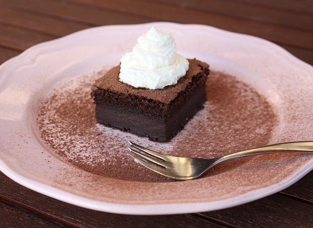 Magický čokoládový koláčik - recept postup 9