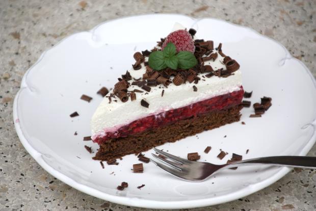 Čokoládovo - malinová tortička