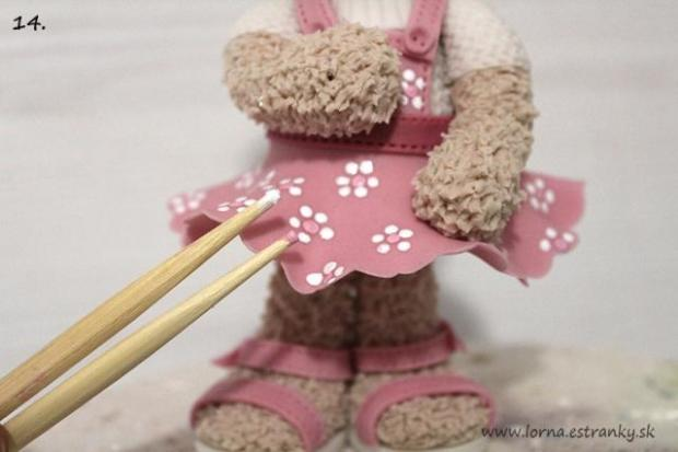 Malá medvedica v šatočkách.. 14