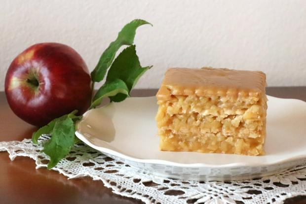 Jablkový nepečený zákusok - recept