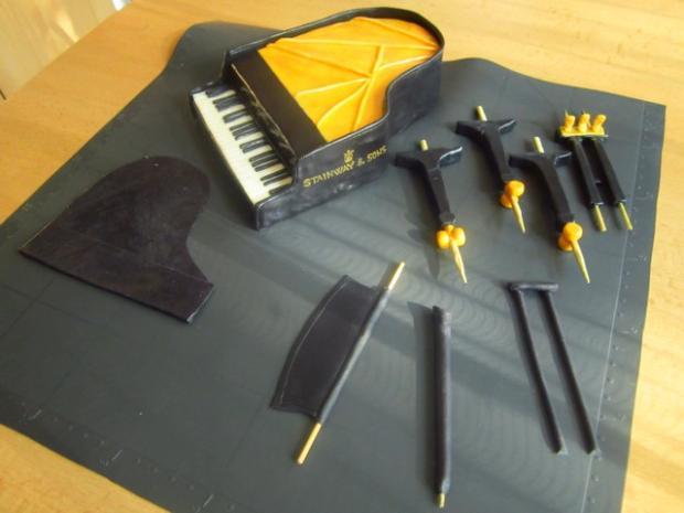 Нарисовать, шаблоны рояля из мастики
