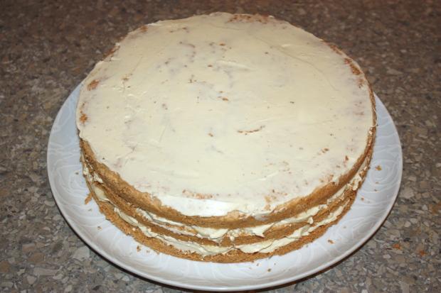 Mandľovo - karamelová torta s banánmi - recept postup 12